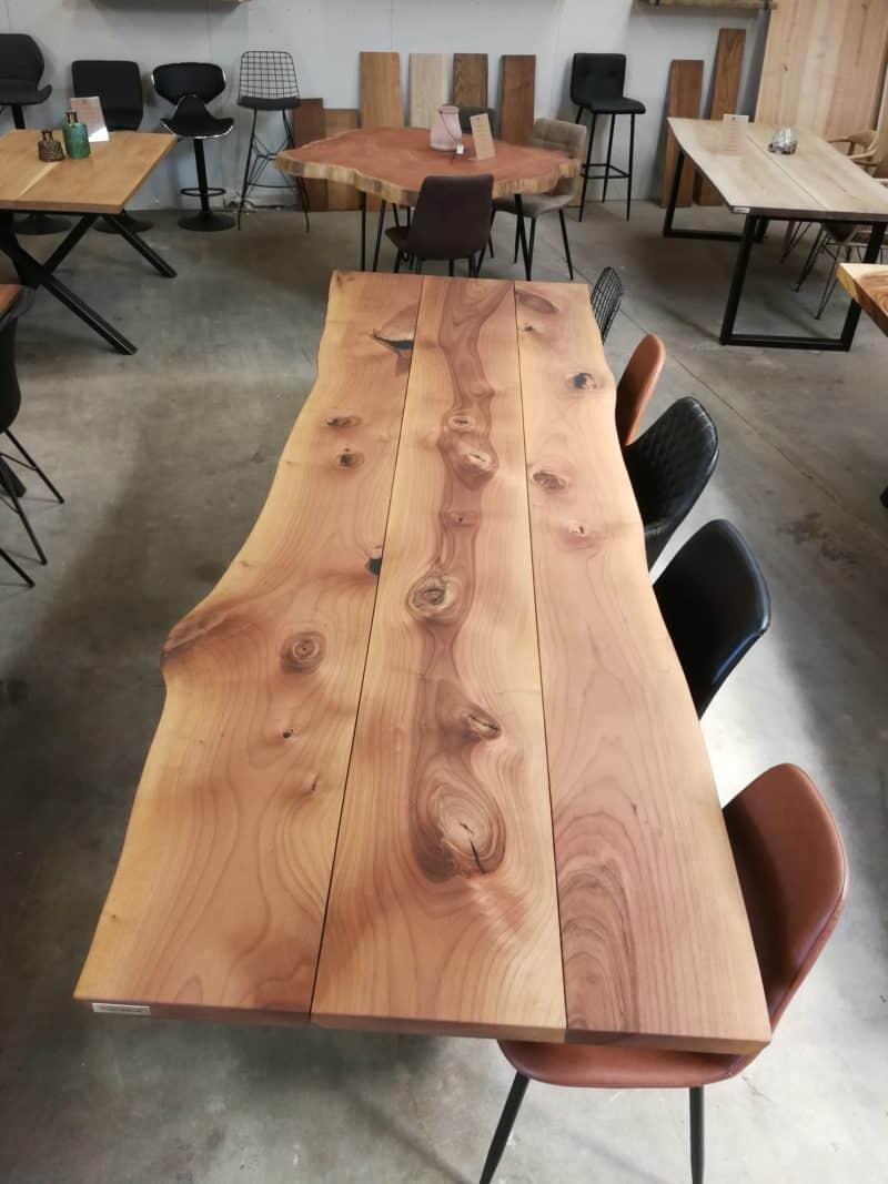 Plankebord i europæisk valnød i 3 planker