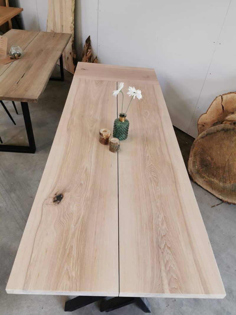 plankebord ask med hvid olie
