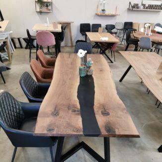 Plankebord i amerikasnk valnød med epoxy 100x280 cm