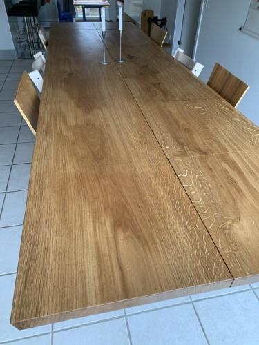 Plankbord i ek, 2 plankor med naturlig olja, 15 graders kanter, 2 st. ytterligare plattor och trapesformade ramar