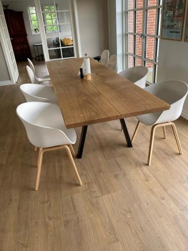 Plankbord i ek med naturlig olja, 95x300 cm, Snygg och 15 graders kanter