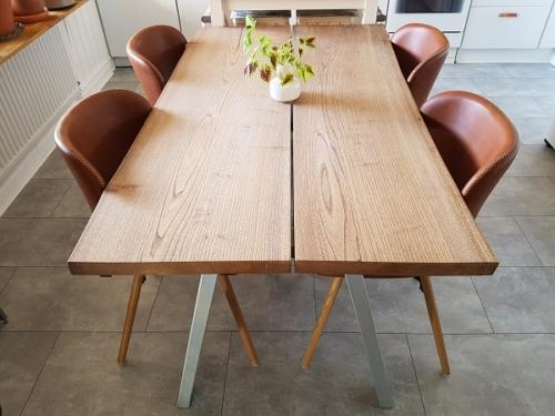 Plankbord i alm 85x150 cm med naturliga kanter