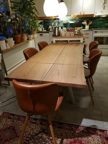 Plankbord i alm med valnötsolja 85x150 cm och 1 st. tilläggsplatta