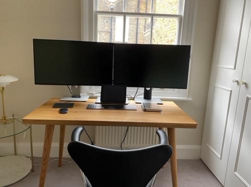 Skrivbord ek med koniska ben och naturlig olja