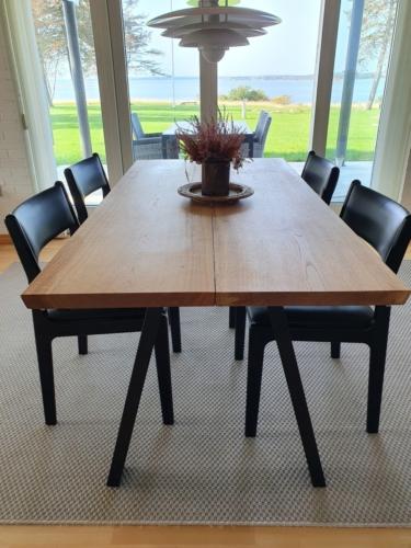 Snyggt plankbord i ek, 2plankor, 90x180 cm med naturlig olja och 90 graders kanter