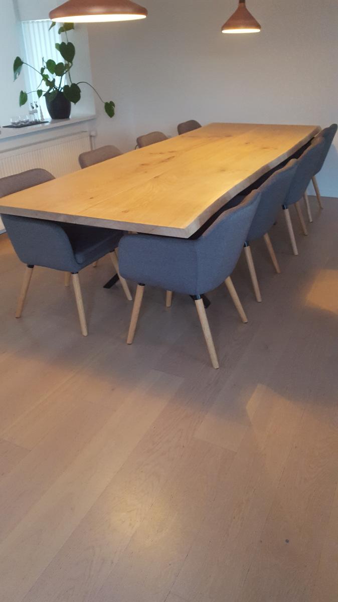 kundebillede-plankebord-eg-med-hvid-olie-i-2-planker