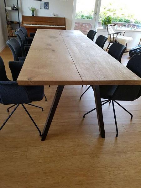 Plankbord i ek med 2 plankor och naturlig olja